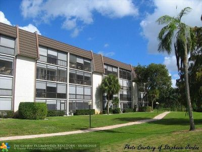 Lauderhill Condo/Townhouse For Sale: 6020 NW 44th St #304-4