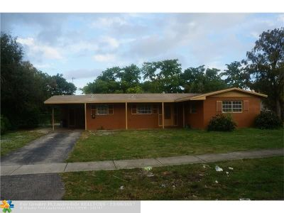 Plantation Single Family Home For Sale: 384 NW 47th Ave
