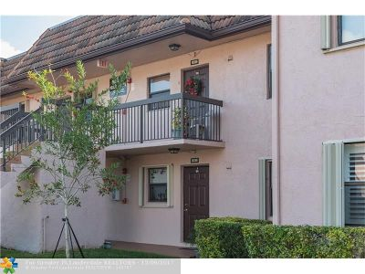 Pembroke Pines Condo/Townhouse For Sale: 10346 NW 11th St #104