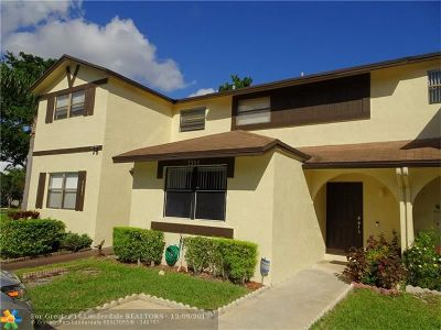 Lauderhill Condo/Townhouse For Sale: 7353 NW 34th St #7353
