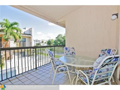 Pompano Beach Condo/Townhouse For Sale: 240 SE 10th Ave #240A