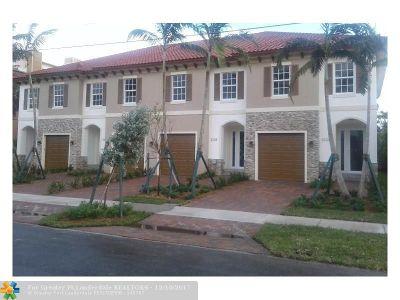 Pompano Beach Condo/Townhouse For Sale: 3226 Marine Dr #3226