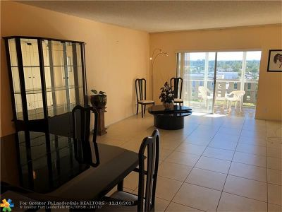 Hollywood Condo/Townhouse For Sale: 4330 Hillcrest Dr #909