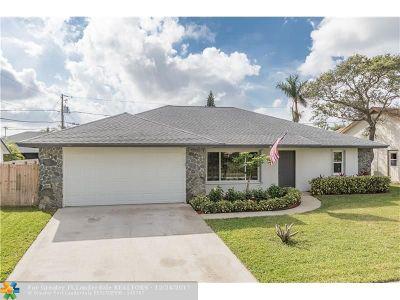 Lantana Single Family Home For Sale: 1304 Tradewinds Way