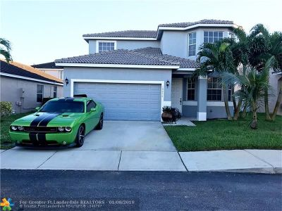 Pembroke Pines Single Family Home For Sale: 16274 NW 19th St