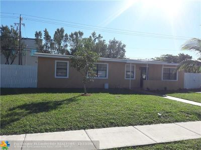 Lauderhill Single Family Home For Sale: 3630 NW 1st Ct