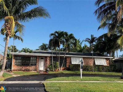 Pompano Beach Single Family Home For Sale: 111 SE 12th St