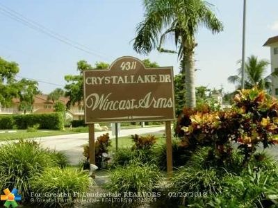 Pompano Beach Condo/Townhouse For Sale: 4311 Crystal Lake Dr #117