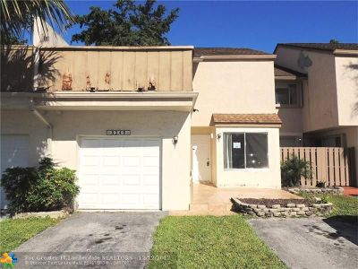 Broward County Condo/Townhouse For Sale: 8249 NW 8th Pl #4