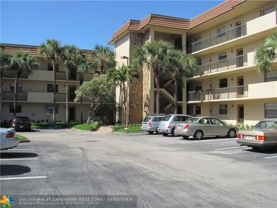 Tamarac Condo/Townhouse For Sale: 4975 E Sabal Palm Blvd #103