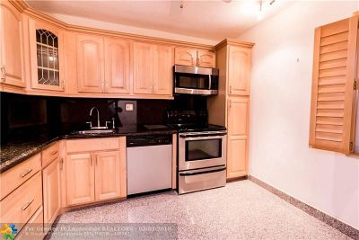 Pompano Beach Condo/Townhouse For Sale: 3000 S Course Dr #106