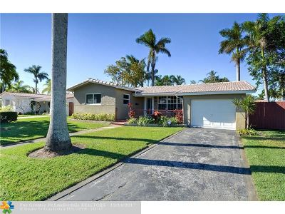 Broward County Single Family Home For Sale: 2104 N 14th Ter