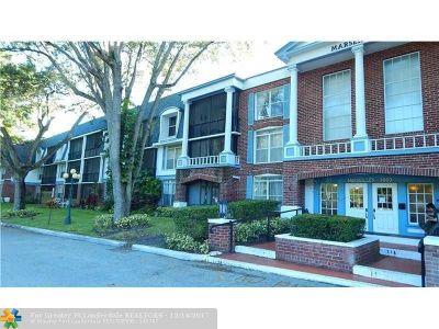 Lauderhill Condo/Townhouse For Sale: 3660 Inverrary Dr. #1B