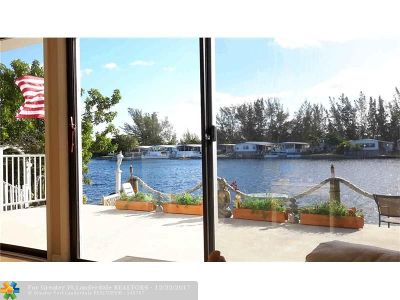 Dania Single Family Home For Sale: 5748 Lagoon Dr