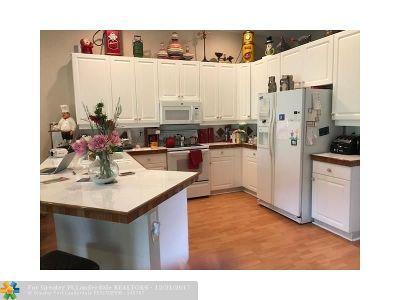 Boynton Beach Single Family Home For Sale: 7098 Falls Road E