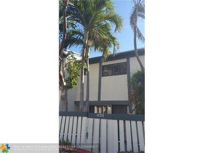 Miami Condo/Townhouse For Sale: 676 NE 195th St #676