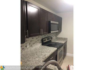 Sunrise FL Condo/Townhouse For Sale: $174,900