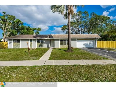 Davie Single Family Home For Sale: 6801 SW 44th St