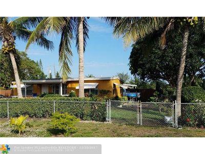 Lantana Single Family Home For Sale: 35 Mentone Rd