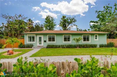 Plantation Single Family Home For Sale: 5401 W Broward Blvd