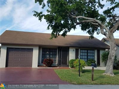 Deerfield Beach Single Family Home For Sale: 2053 SW 17th Dr
