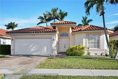 Margate Single Family Home For Sale: 7537 Parkside Pl