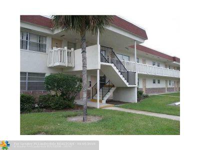 Davie Condo/Townhouse Backup Contract-Call LA: 4165 SW 67 Ave #208B