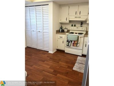 Margate Condo/Townhouse For Sale: 7620 NW 18th St #106