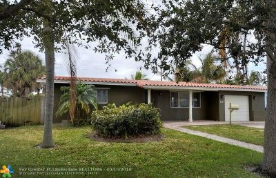 Pompano Beach Single Family Home For Sale: 2424 NE 9th St