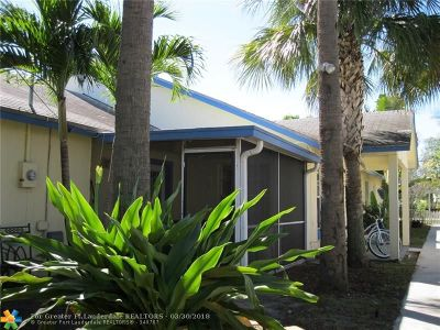 Delray Beach Condo/Townhouse For Sale: 450 SE 1st Ave #450