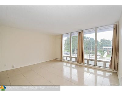 Fort Lauderdale Condo/Townhouse For Sale: 524 Orton Ave #202