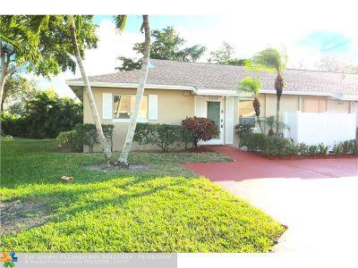 Boca Raton Condo/Townhouse For Sale: 8640 Overset Ln #8640
