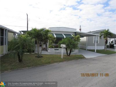 Davie Single Family Home For Sale: 8640 SW 16th Pl