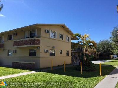Miami Condo/Townhouse For Sale: 4450 Ludlam Rd #B