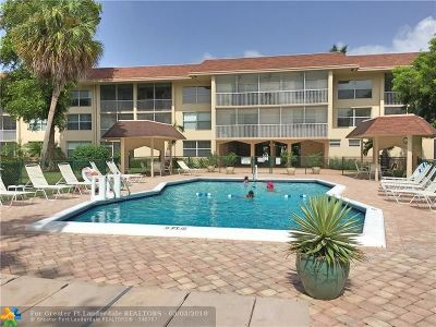 Oakland Park Condo/Townhouse For Sale: 4025 N Federal Hwy #326C