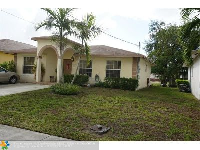 Dania Single Family Home For Sale: 513 NW 3rd Pl