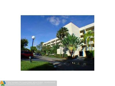 Coconut Creek Condo/Townhouse For Sale: 3050 NW 42nd Ave #C406