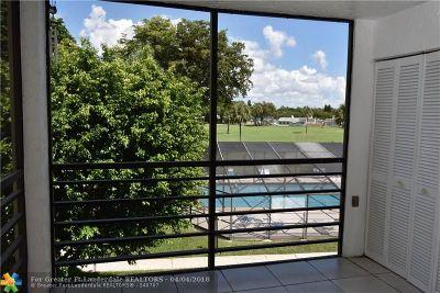 Boca Raton Condo/Townhouse For Sale: 9233 SW 8th St #311