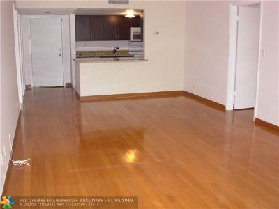 Weston Condo/Townhouse Backup Contract-Call LA: 100 Lakeview Dr #205