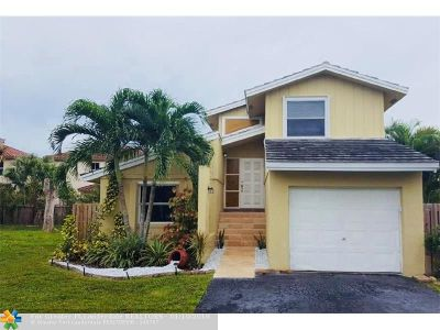 Coral Springs Single Family Home For Sale: 10550 La Placida Dr