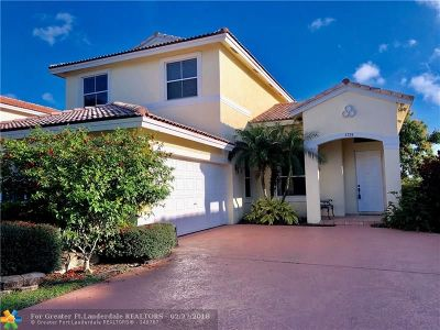 Coconut Creek Single Family Home For Sale: 3798 Coco Lake Dr