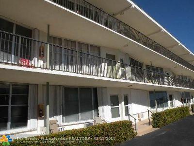 Hallandale Condo/Townhouse For Sale: 3177 S Ocean Dr #226