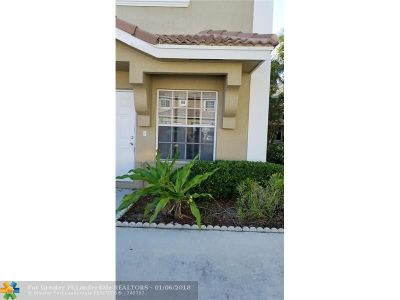 Pembroke Pines Condo/Townhouse For Sale: 324 SW 120th Ave #324