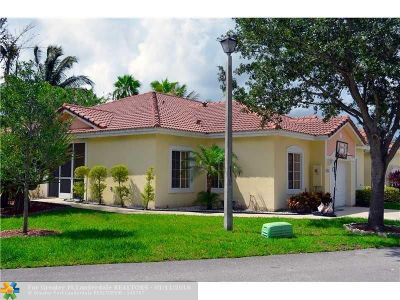 Deerfield Beach Condo/Townhouse For Sale: 1068 SW 42nd Way #1068