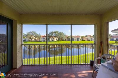 West Palm Beach Condo/Townhouse For Sale: 5204 Glenmoor Drive #5204