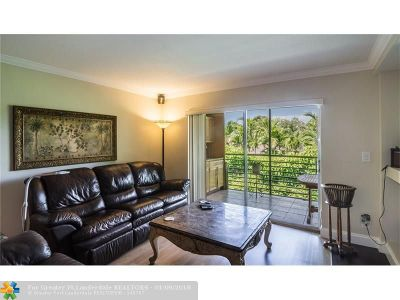 Coral Springs Condo/Townhouse For Sale: 2972-208 Coral Springs Dr #208-2