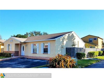 Miami Single Family Home For Sale: 8419 NW 193rd Ln
