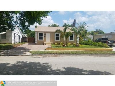 West Palm Beach Single Family Home For Sale: 809 Maddock St
