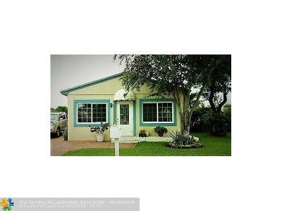 Hollywood Single Family Home For Sale: 2815 Plunkett St