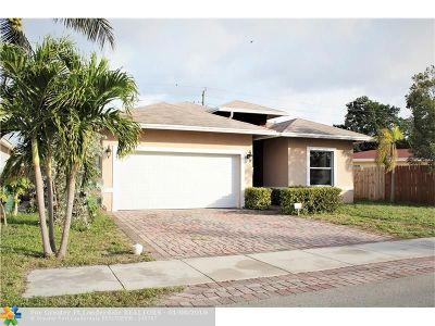 Oakland Park Single Family Home For Sale: 261 NE 41st St